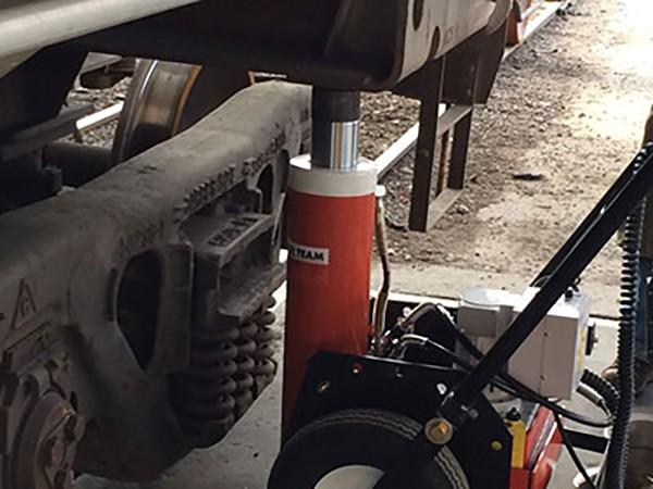 SPX Power Team Railcar Jack